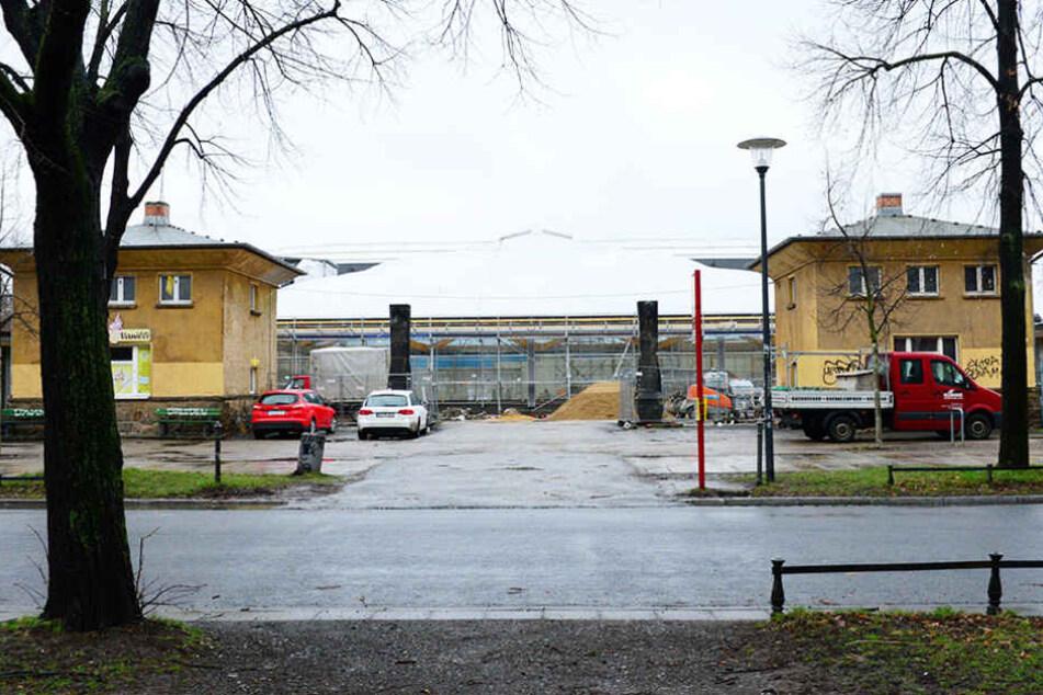 Die Sanierung des Arnhold-Bades macht nach Außen hin nur langsam Fortschritte.