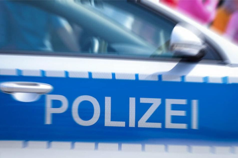 Polizisten sicherten vor Ort die Spuren. (Symbolbild)