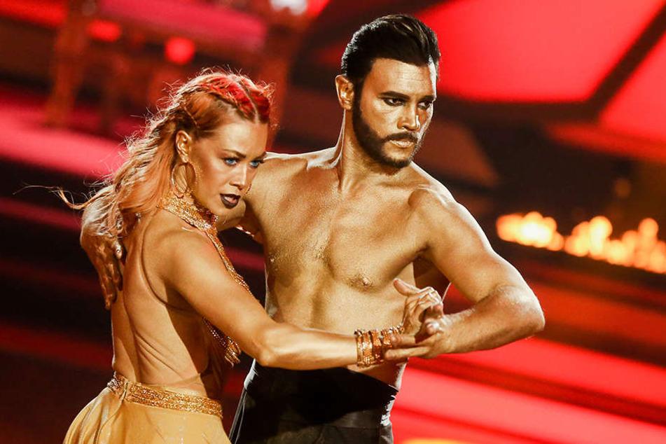 """Bela Klentze und seine """"Let's Dance""""-Partnerin Oana Nechiti müssen aufgeben."""