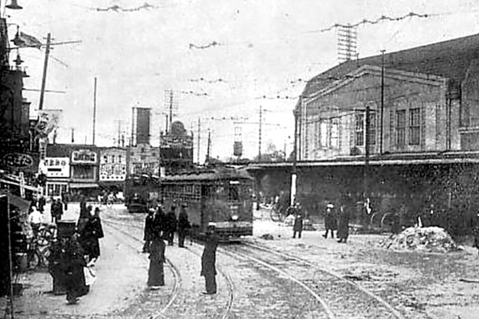 Der Bahnhof von Shibuya war damals noch eine Vorstadt-Station - heute ist er ein Dreh- und Angelpunkt.