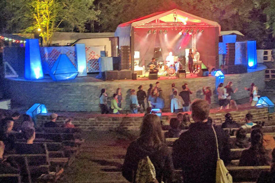 """Seit 2014 zog das Musik- und Kleinkunstfestival """"Küchwaldrauschen"""" jährlich Hunderte Besucher an."""