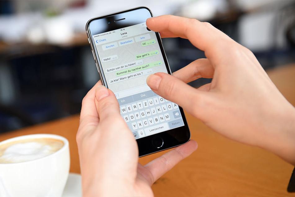 Hell oder dunkel: Bald könnten WhatsApp-Nutzer die Wahl haben.