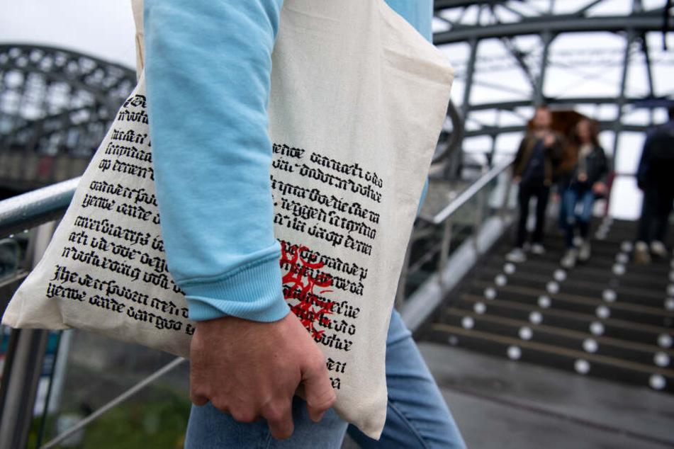 Wie der Jutebeutel einer Münchner Bücher-Kette in New York zum It-Piece wird