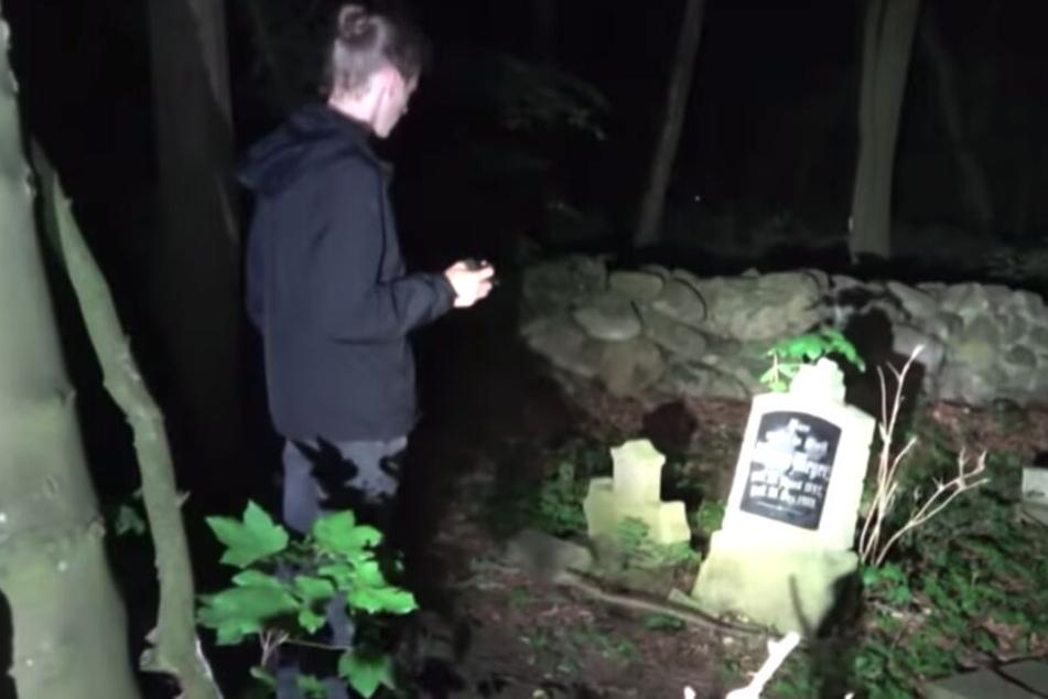 Eines der vergessenen Gräber: Hier liegt ein Mädchen begraben, das nur 17 Jahre alt wurde.
