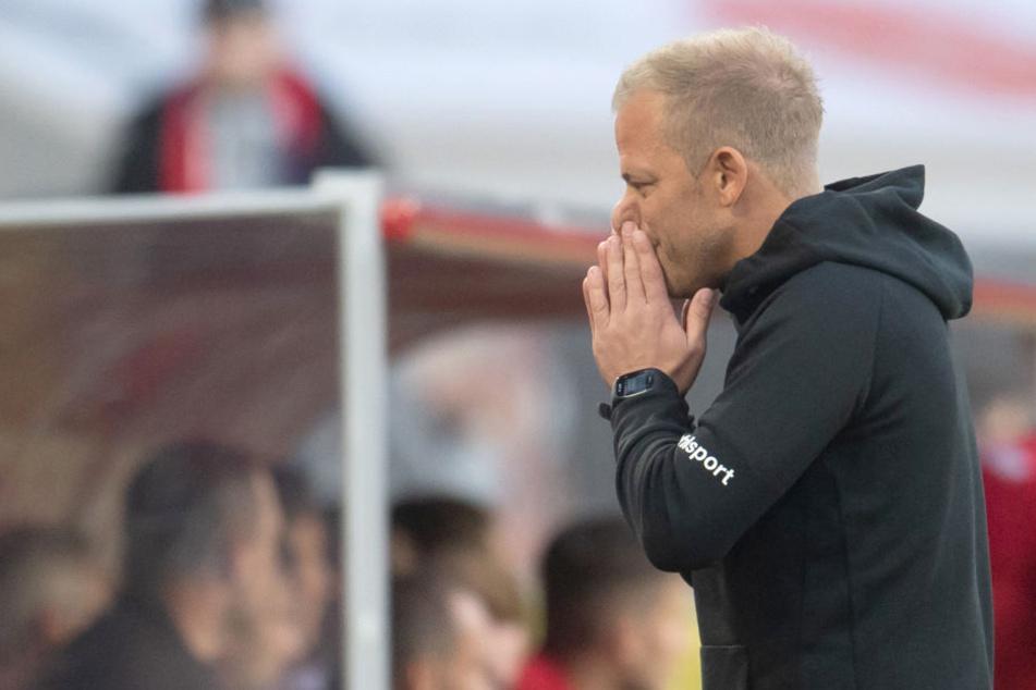 Gelbsperren könnten FC-Trainer Markus Anfang (44) bald zu Umstellungen zwingen.