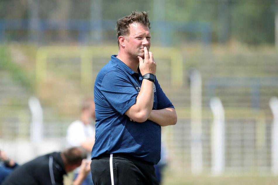 Lok Leipzigs Teammanager Björn Joppe musste in der Generalprobe vor dem Ligastart eine 1:3-Niederlage gegen den Wuppertaler SV hinnehmen. (Archivbild)