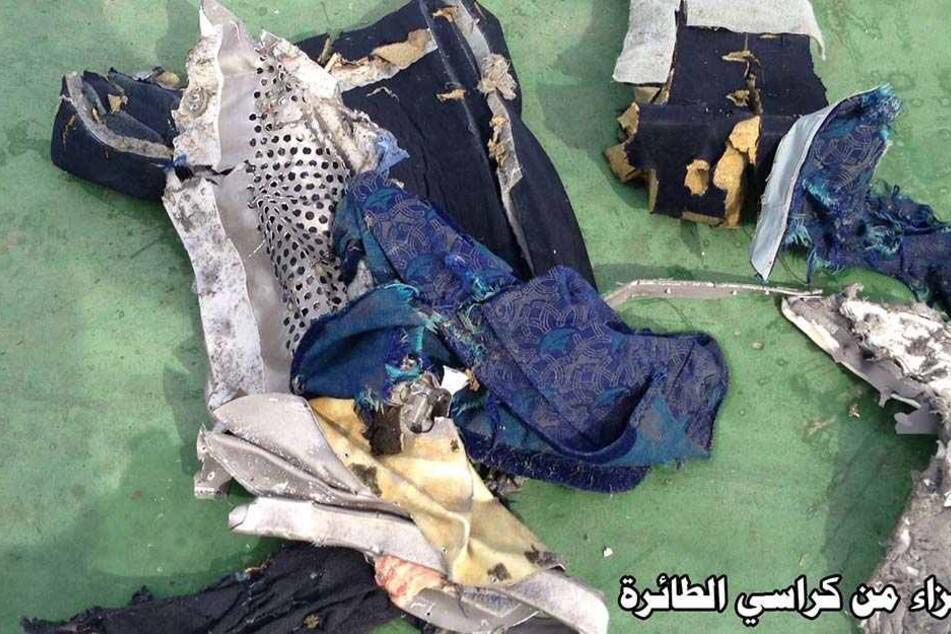 An Überresten des Flugzeugabsturzes wurden Spuren von Sprengstoff gefunden.