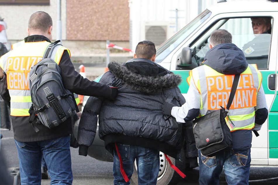 Bislang sind im laufenden Kalenderjahr 50 Asylbewerber aus Sachsen nach Tunesien ausgeflogen worden. (Symbolbild)