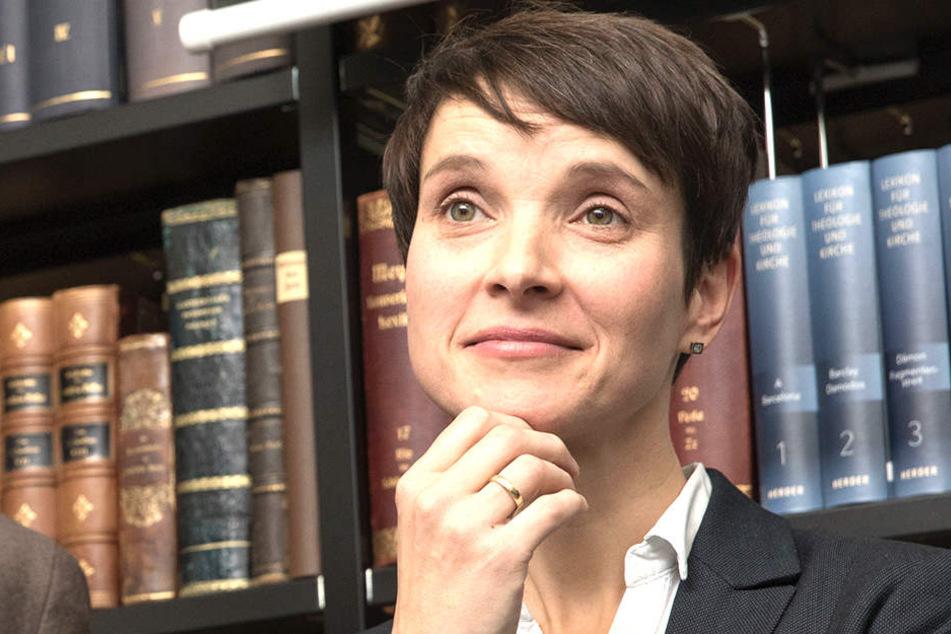"""Frauke Petry sprach am Samstag bei einer Diskussionsveranstaltung ihres Bürgerforums """"Blaue Wende"""" in Berlin."""