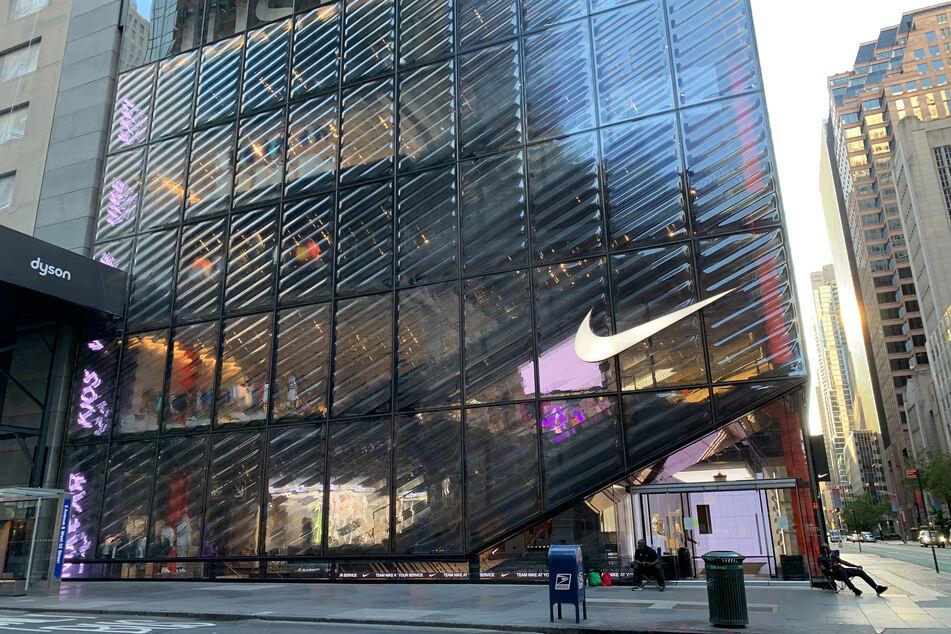 Das Nike-Geschäft in der Fifth Avenue ist wegen der Coronavirus-Pandemie vorübergehend geschlossen.