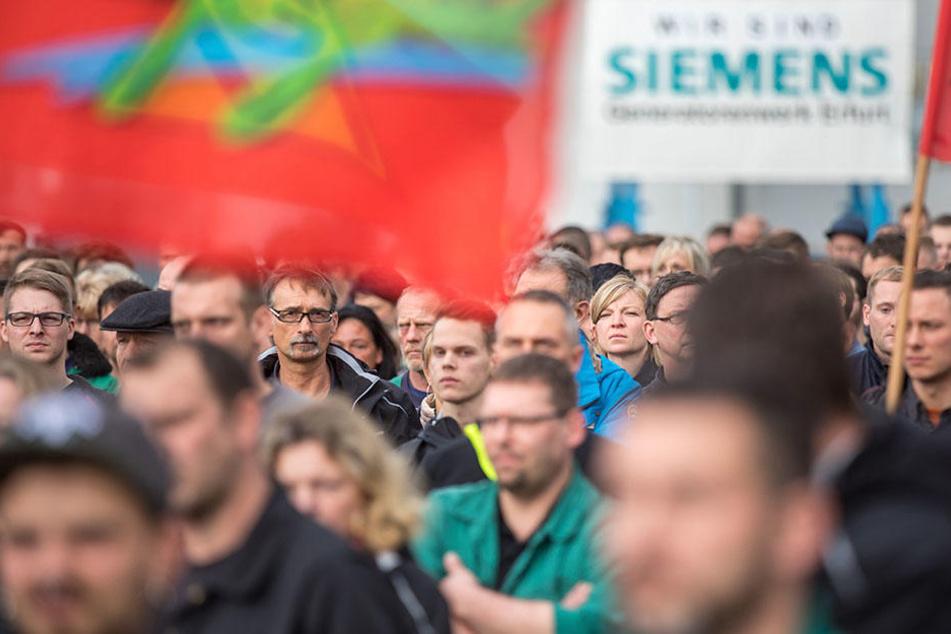 Überall in Deutschland bangen Siemens-Mitarbeiter derzeit um ihre Jobs.