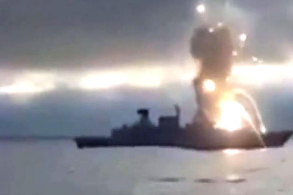 Ein Internet-Clip zeigt die Explosion an Bord der Fregatte Sachsen.