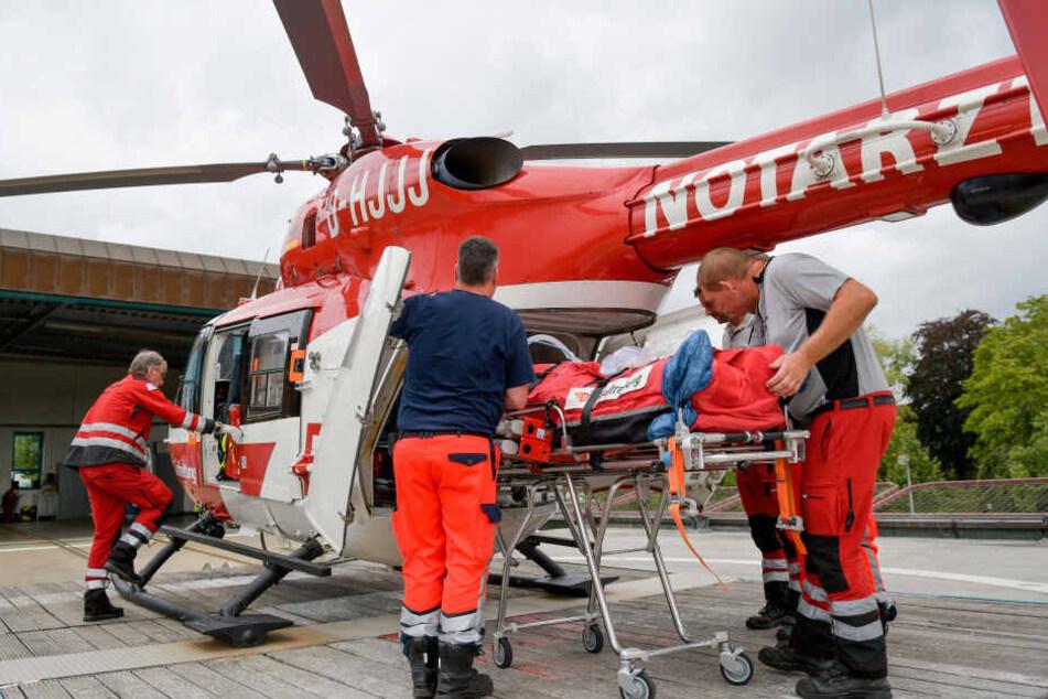 Der Rettungshubschrauber wurde hinzugerufen, doch keine Maßnahme half, um dem Mann noch das Leben zu retten.
