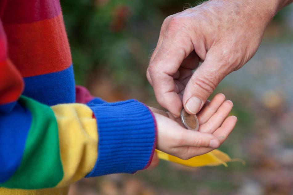 Durch den Finderlohn wollte sich der Neunjährige das Taschengeld aufbessern. (Symbolbild)