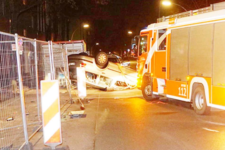 Warum der Mann von der Straße abkam und gegen einen Opel fuhr, ist noch unklar.
