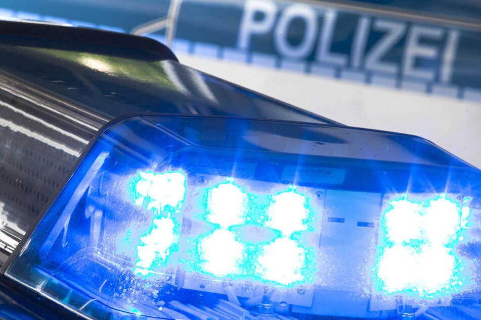 Ein Mann verprügelte am Donnerstagabend eine junge Frau.