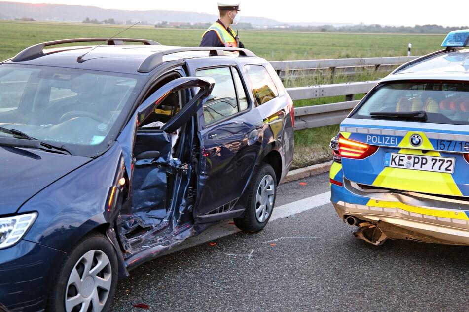 Der Dacia-Fahrer erlitt bei dem Unfall auf der A7 in Bayern leichte Verletzungen.