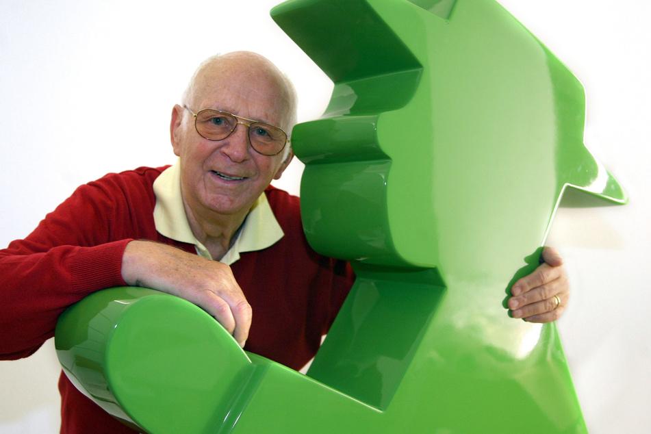 Der Verkehrspsychologe und Erfinder des Ost-Ampelmännchens, Karl Peglau (†82), verstarb 2009. (Archivbild)