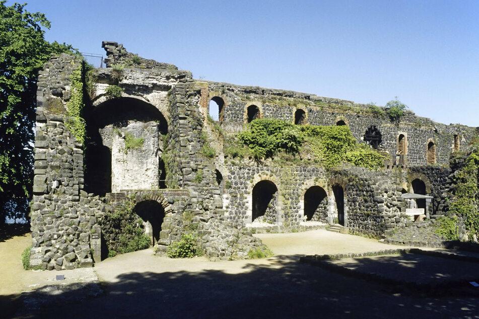 Die Ruine der mittelalterlichen Kaiserpfalz nahe Düsseldorf-Kaiserswerth.