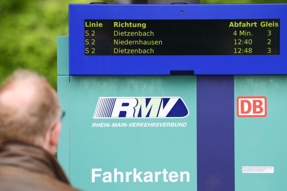 """Armes Portemonnaie: So teuer sind die """"Öffis"""" in Frankfurt"""