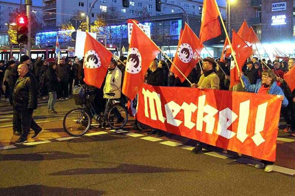 Merkel-Besuch in Chemnitz: Hass und Häme auf der Straße