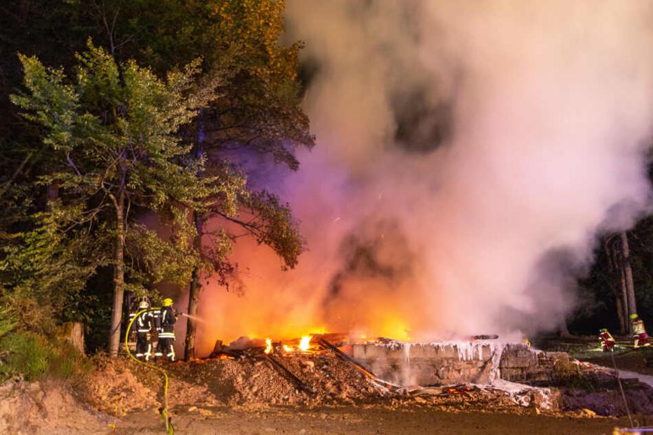 Der Gasthof brannte bis auf die Grundmauern nieder.