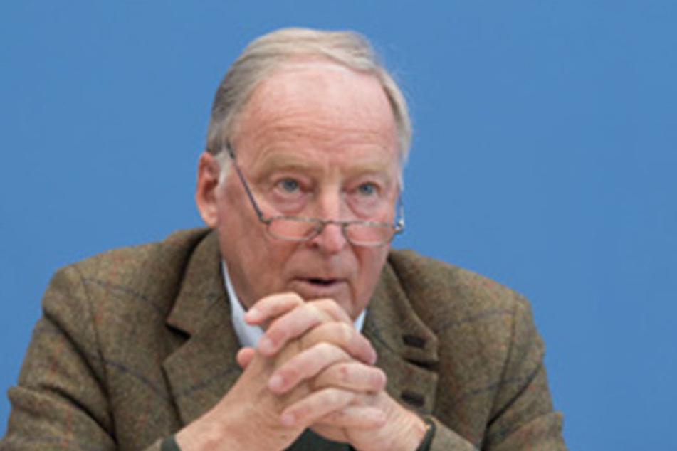 Alexander Gauland erklärt, das Wahlergebnis in Schleswig-Holstein damit, dass weniger Flüchtlinge nach Deutschland kommen.