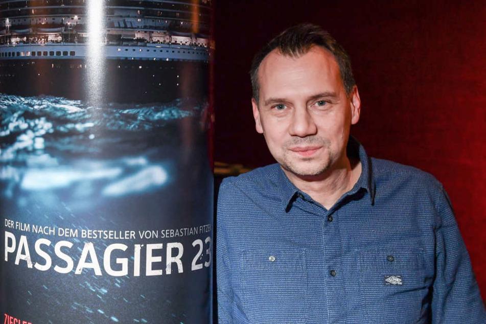 """Bestseller-Autor Sebastian Fitzek (47) bei einem Pressetermin zur Vorstellung des RTL-Thrillers """"Passagier 23 -Verschwunden auf hoher See""""."""