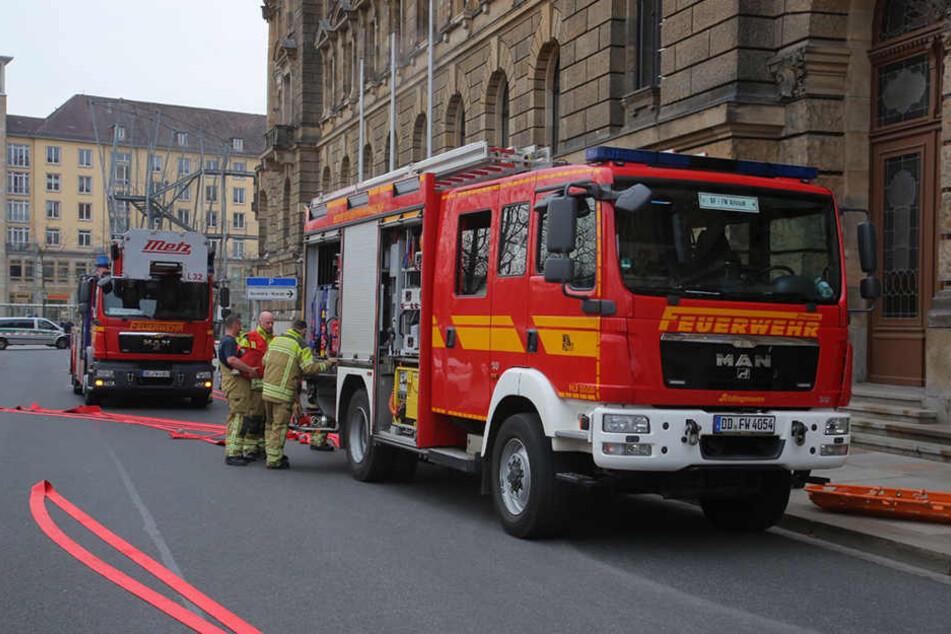 Die Feuerwehr war für einen Probeeinsatz auf der Schießgasse.