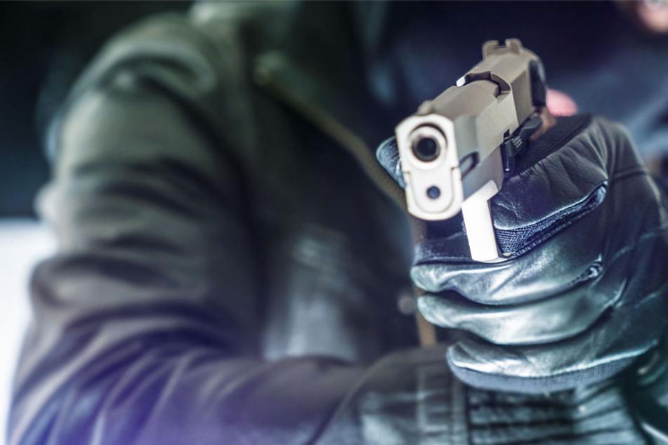 Eine Kugel traf den 52-jährigen Schmuckhändler am Kopf (Symbolbild).