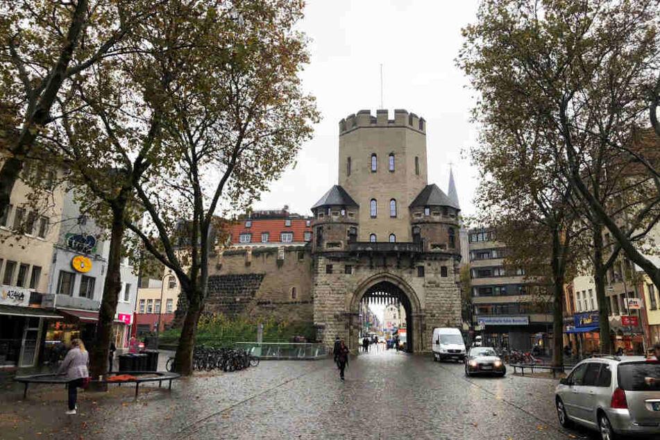 Seit einigen Wochen häufen sich die Einbrüche in Cafés, Restaurants und Geschäfte im Kölner Süden.