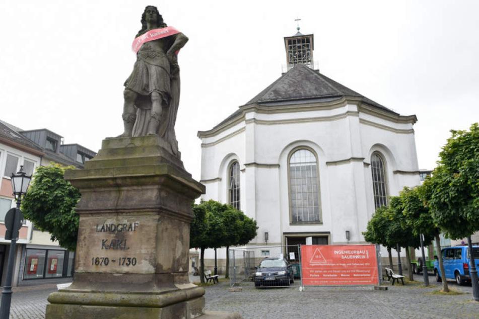 Der Fund wurde bei der Reonovierung der Kasseler Karlskirche gemacht.