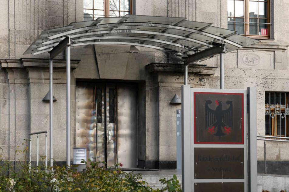 Das Gebäude des 5. BGH-Strafsenats in Leipzig wurde in der Silvesternacht von 50 Vermummten angegriffen.
