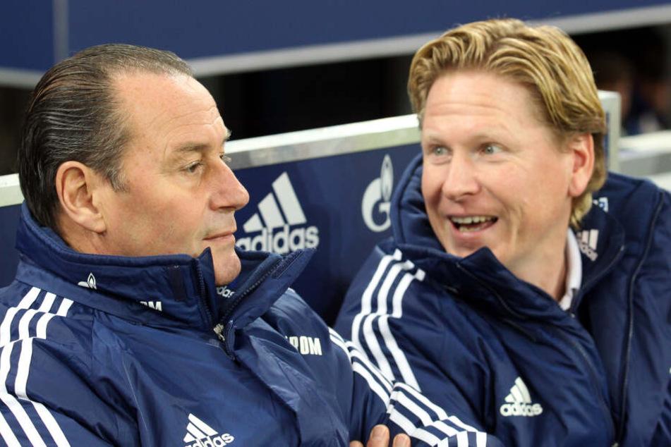 Der neue FC-Trainer Markus Gisdol war früher bei Schalke 04 Co-Trainer unter Huub Stevens (l).