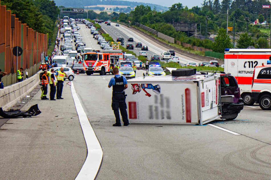 Massenkarambolage auf der A3 wegen illegalem Autorennen!