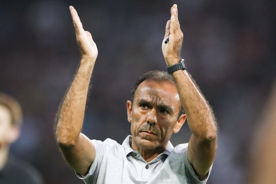 Trainer Jos Luhukay bedankte sich bei den Fans für die fantastische Unterstützung.