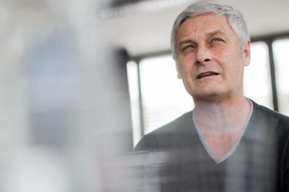 Armin Veh kündigt im Machtkampf Konsequenzen an.