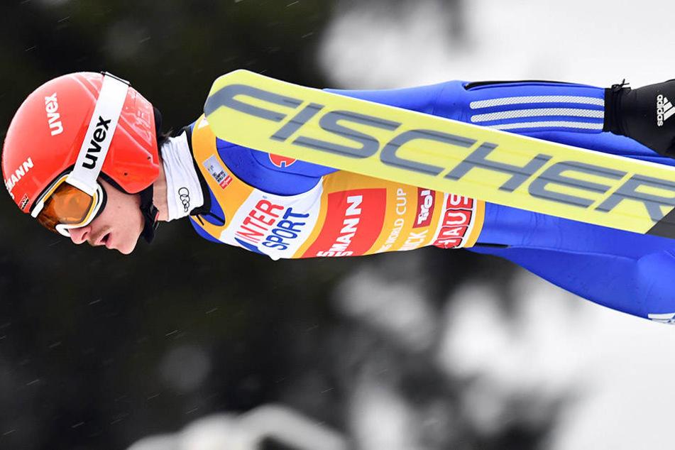 Richard Freitag kann nicht mehr um den Tournee-Sieg springen. Ein Sturz in Innsbruck kostet ihn den möglichen Tournee-Gesamtsieg.