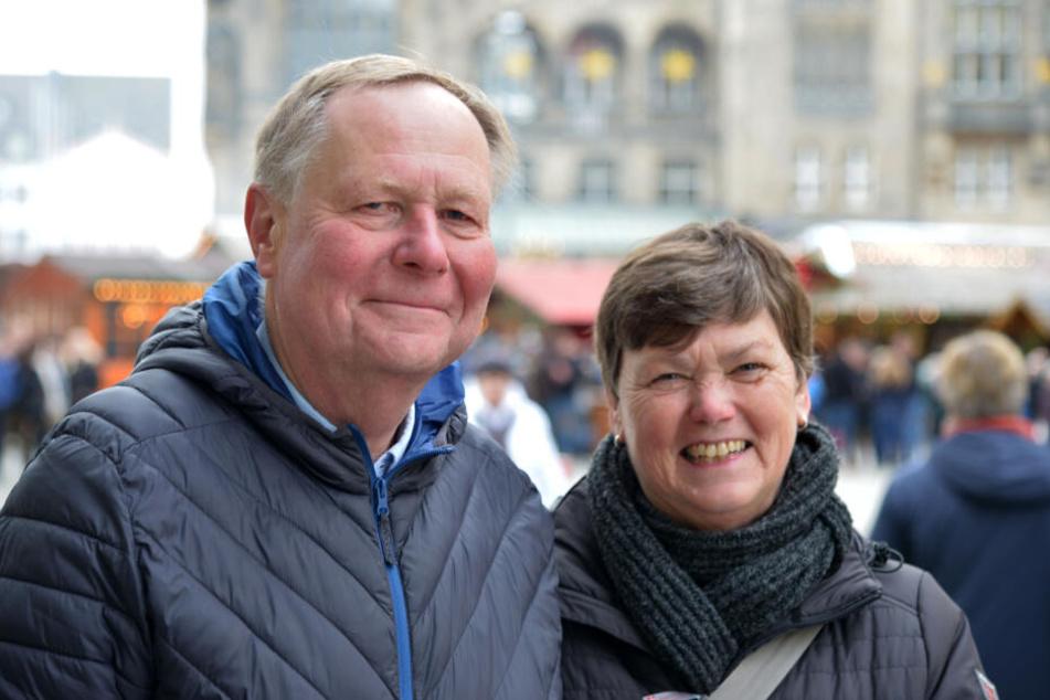 Margot (66) und Ulrich (68) Steiniger fanden den Glühwein am Pfälzer Glühweinstand toll.