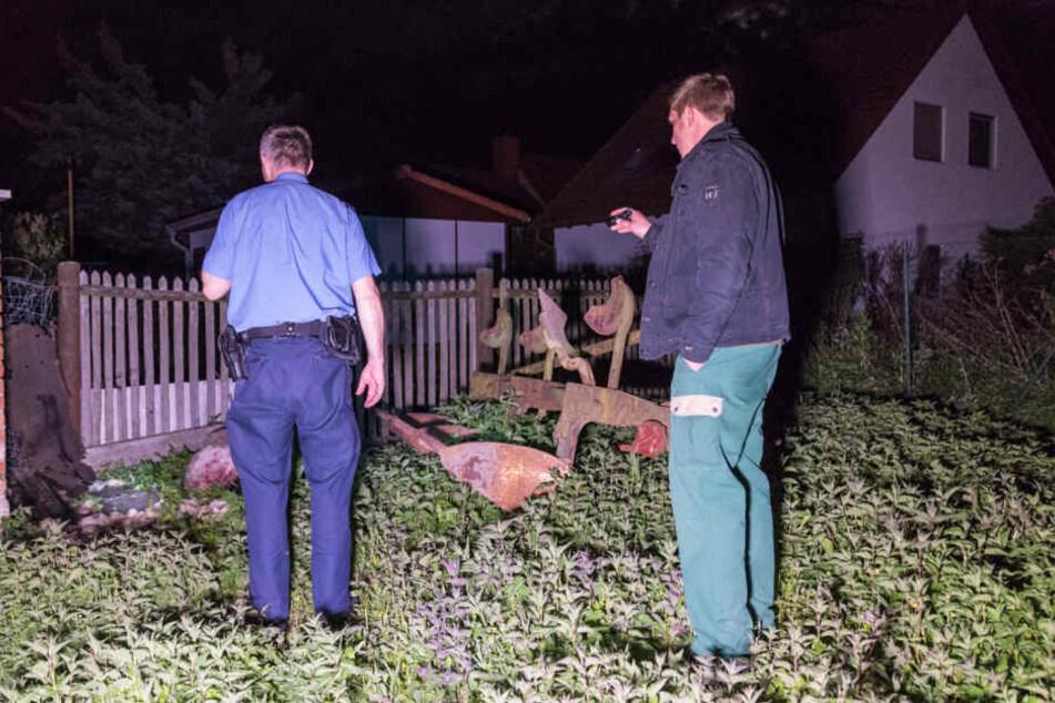 Als die Beamten ankamen, war ein Schaf bereits tot, ein zweites attackierten die Vierbeiner gerade.