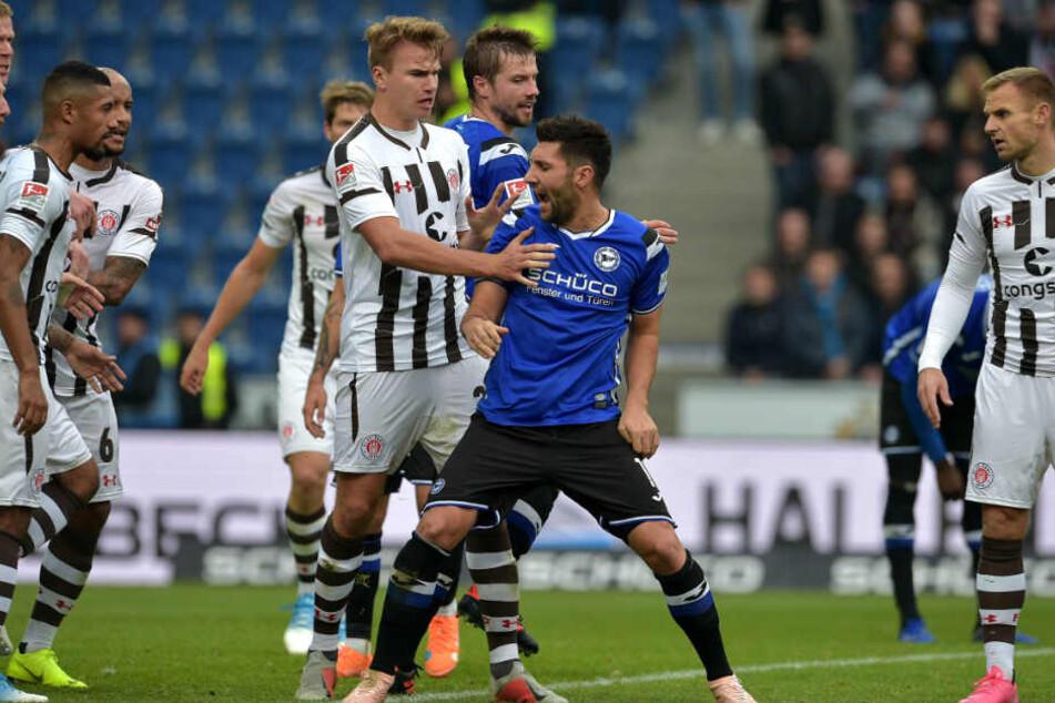 Stephan Salger (m.) hat einen schweren Stand beim Trainer.