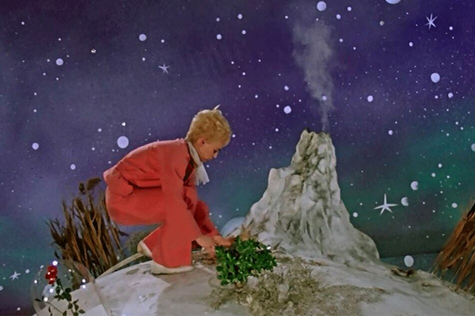"""""""Der kleine Prinz"""" (gespielt von Christel Bodenstein) auf seinem Heimatplaneten."""