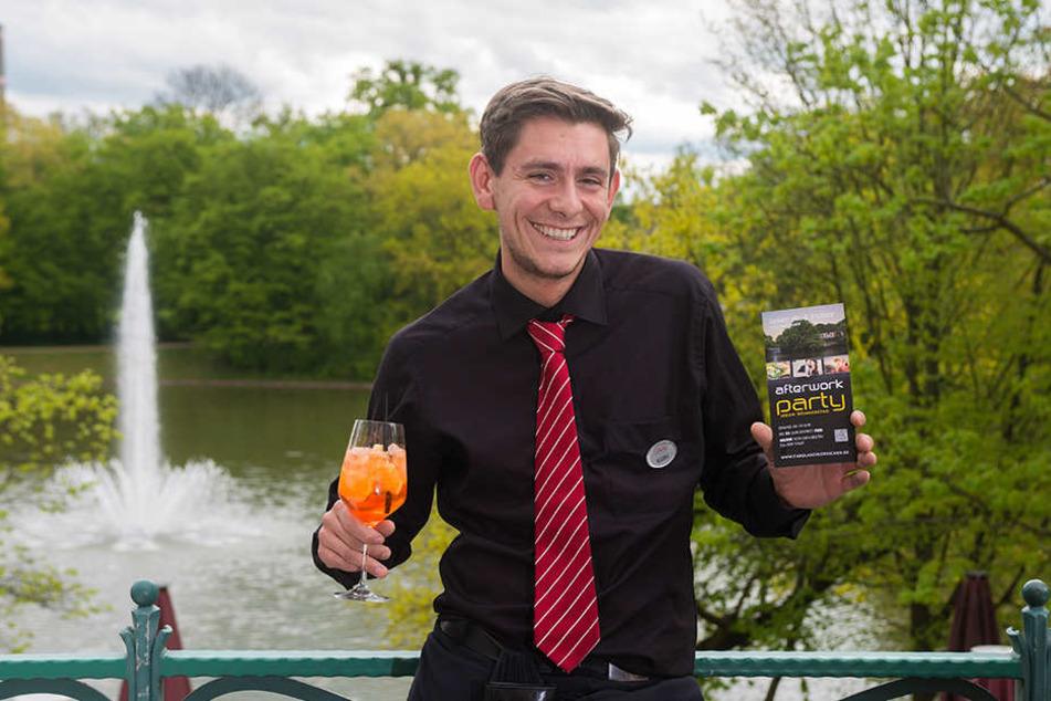 Freut sich auf die neue Afterwork-Open-Air-Saison im Carolaschlösschen:  Restaurantleiter Mario Gorks (28) lädt ab nächste Woche jeden Donnerstag in den  Großen Garten zum Feiern.