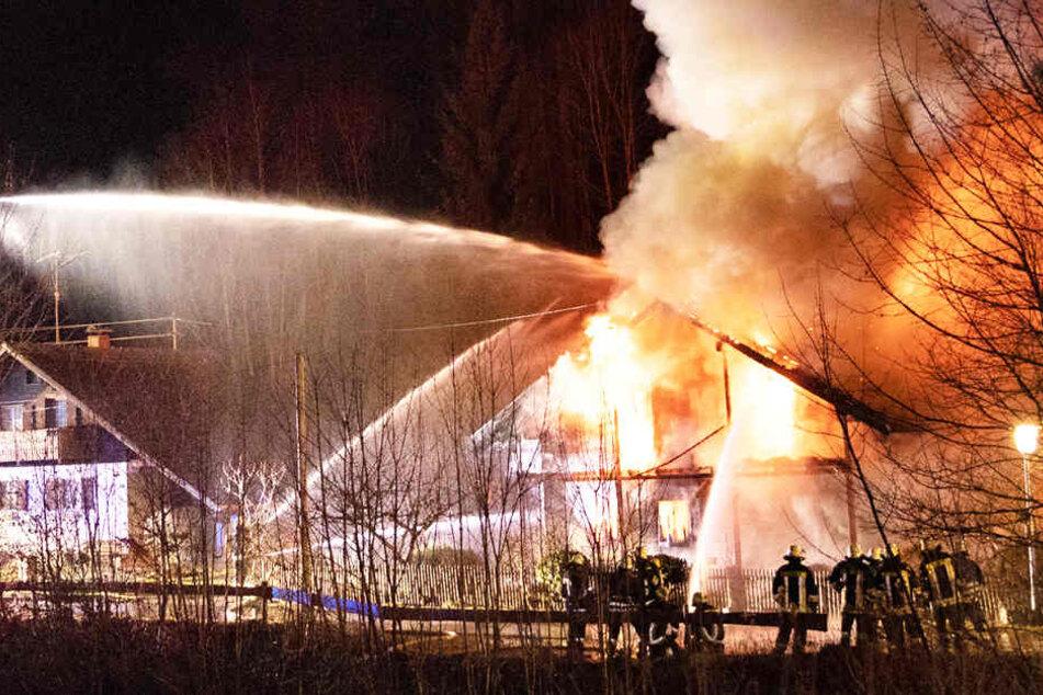 Die Feuerwehrkräfte konnten das Schlimmste in Weitnau nicht mehr verhindern.