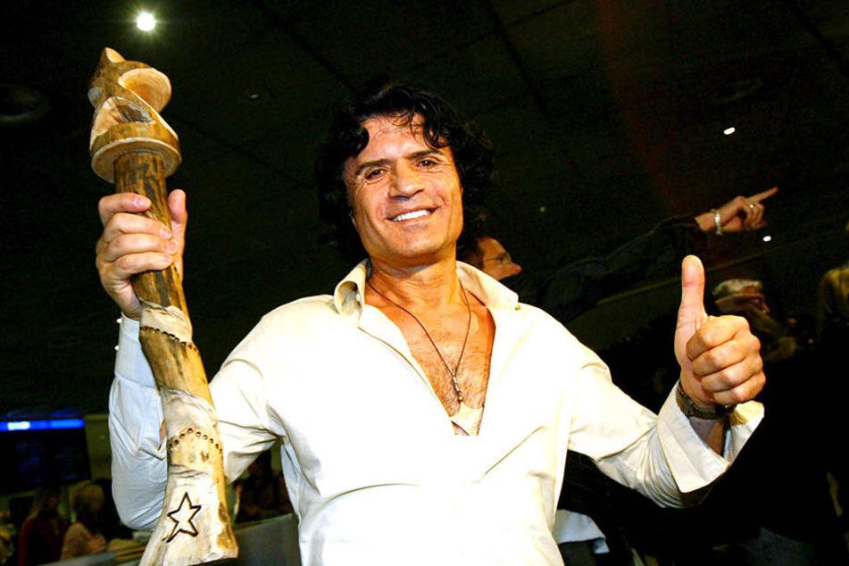 Costa Cordalis nahm an der ersten Staffel des RTL-Dschungelcamps 2004 teil und schnappte sich gleich die Krone des Königs.