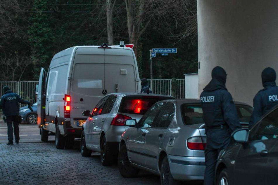 Razzia nach Hooligan-Überfall bei Magdeburg: Neun Festnahmen