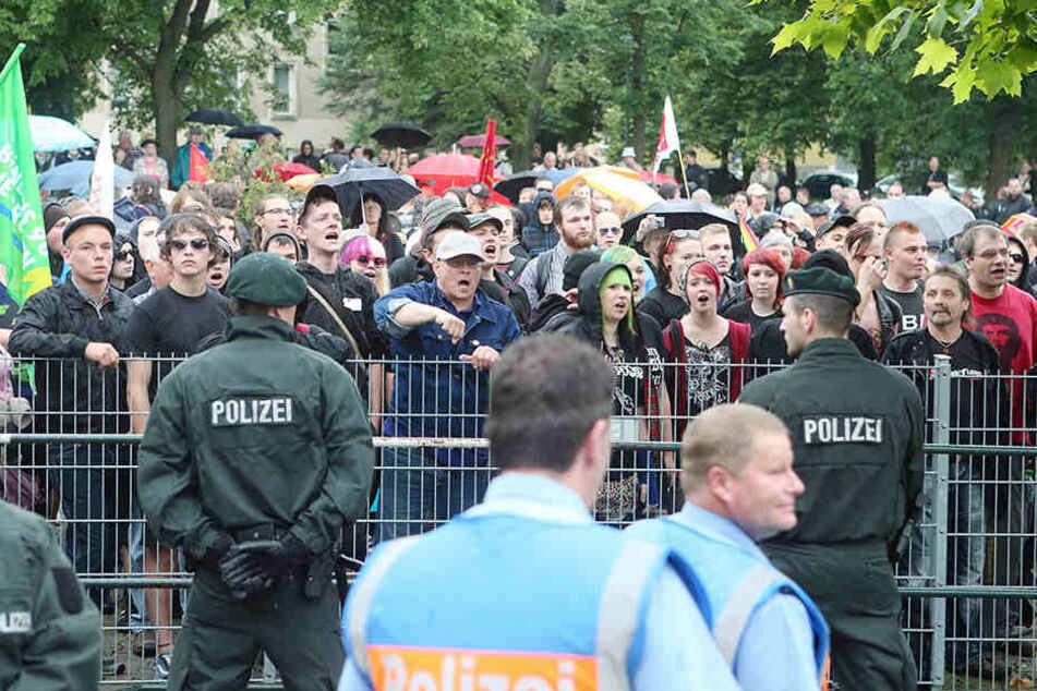 """Gegenproteste sind vorprogrammiert, wie hier in Gera 2012 bei """"Rock für Deutschland""""."""
