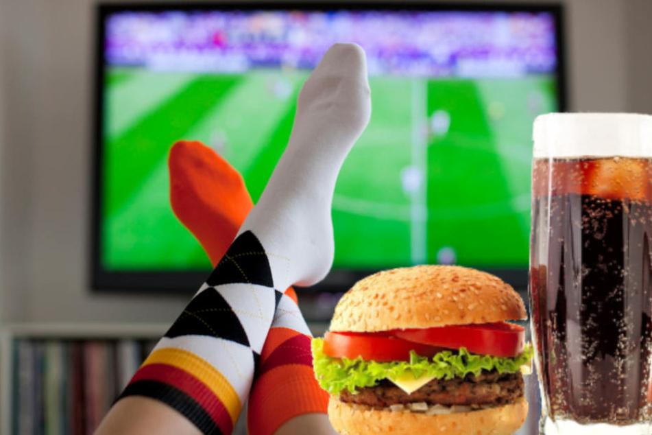 Damit die Kalorien beim Fußball-WM gucken nicht auf den Hüften bleiben, müsst Ihr einiges tun. (Symbolbild)