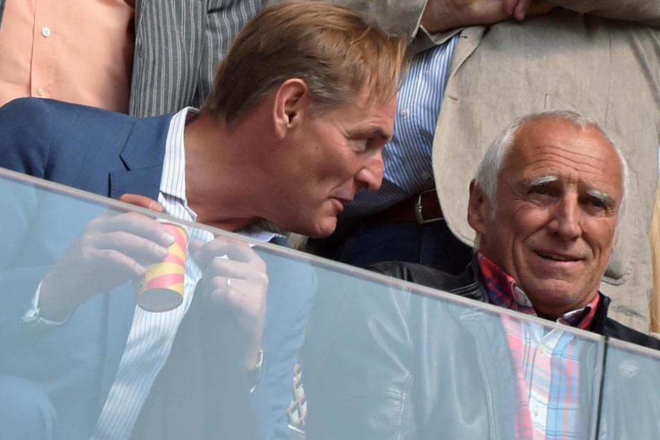 Stadtoberhaupt Burkhard Jung (l.) sagte im Interview, er habe sehr schnell gemerkt, dass es dem Red-Bull-Chef Dietrich Mateschitz (r.) um ein dauerhaftes Engagement in Leipzig geht.
