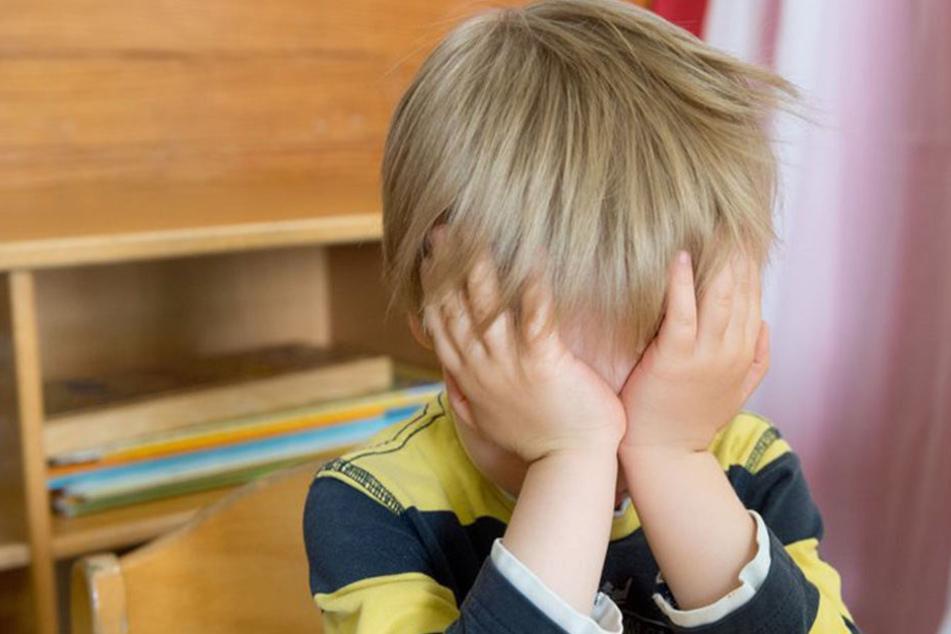 Der zweijährige Lukas wurde einfach in einem Bautzner Cafe vergessen. Zum Glück fand die Polizei ihn, bevor etwas schlimmes passieren konnte.
